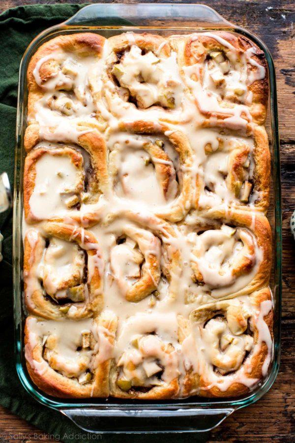 apple-cinnamon-rolls-1-600x900