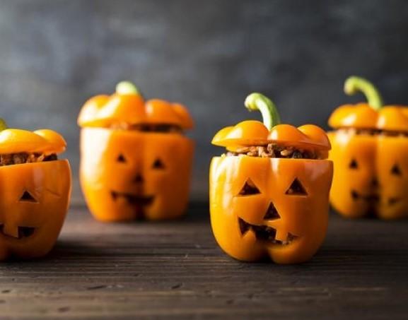 jack-o-lantern-stuffed-peppers-0be38941