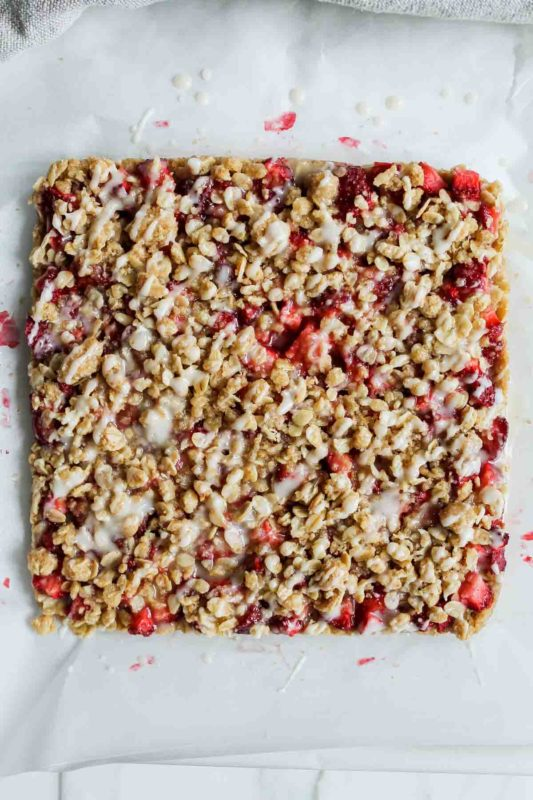 strawberry-crumble-bars-katiebirdbakes-7-533x800