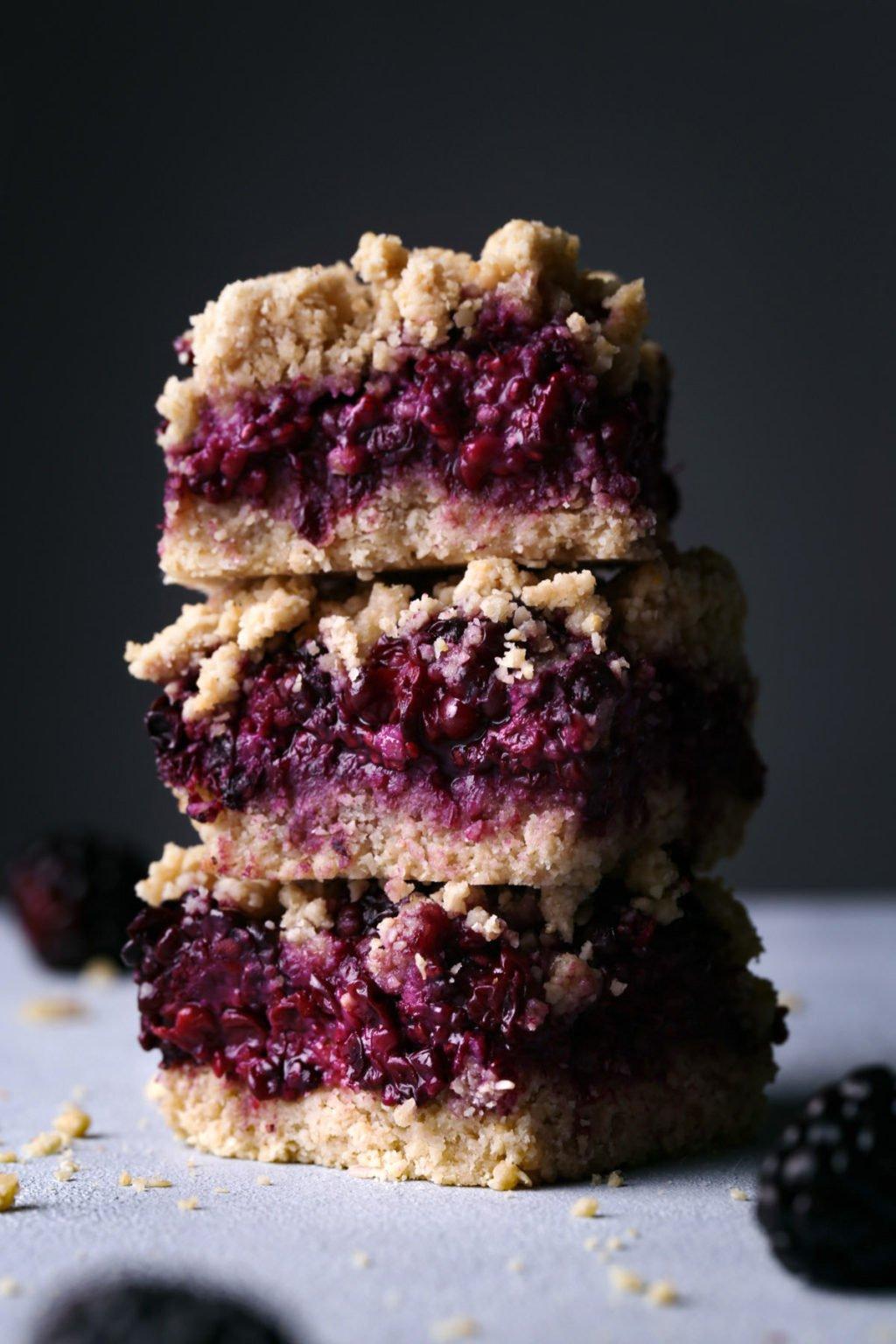 blackberry-oat-bars-stacked-2-1024x1536